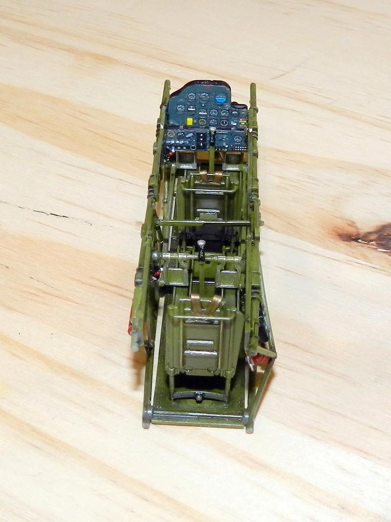 "Texan T-6 TA-349 ""Dazzlin' Deb"" - 1/32 [Terminé] Dscn0148"