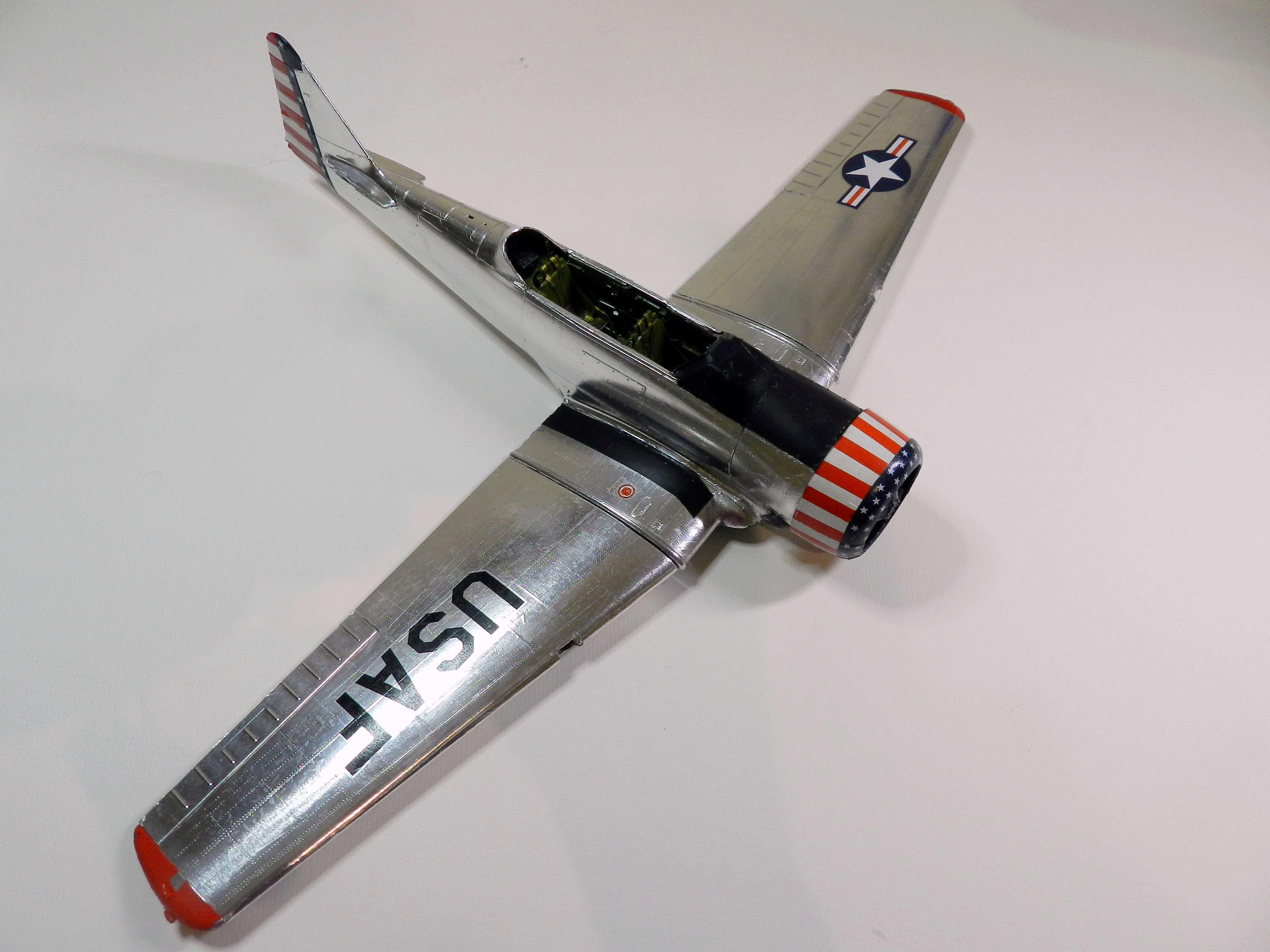 "Texan T-6 TA-349 ""Dazzlin' Deb"" - 1/32 [Terminé] Dscn0452"