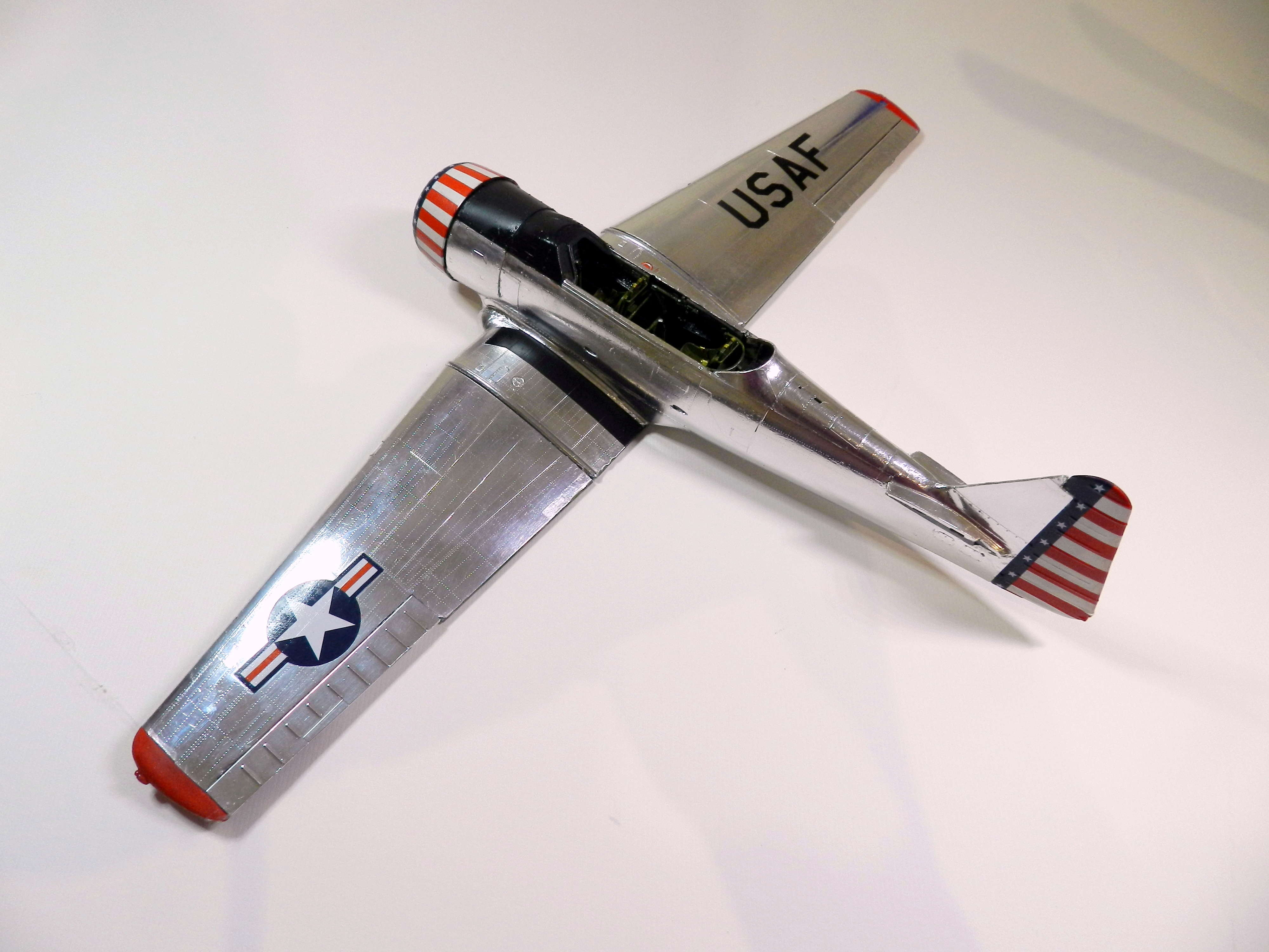 "Texan T-6 TA-349 ""Dazzlin' Deb"" - 1/32 [Terminé] Dscn0453"