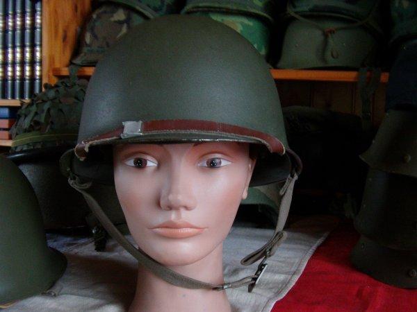 Doute sur jugulaire de casque Adrian M26 32435110