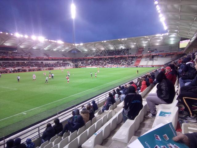 J32 Le match Reims 0-1 Le Havre - Page 4 Img_2010