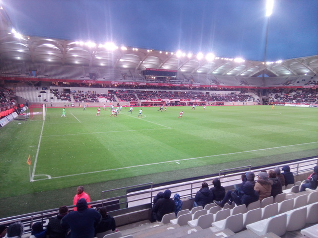 J32 Le match Reims 0-1 Le Havre - Page 4 Img_2011