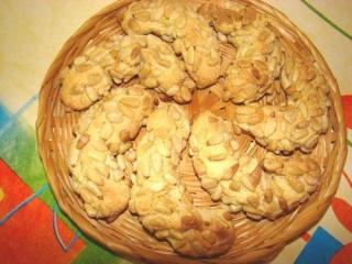 Croissants aux pignons Pignon10