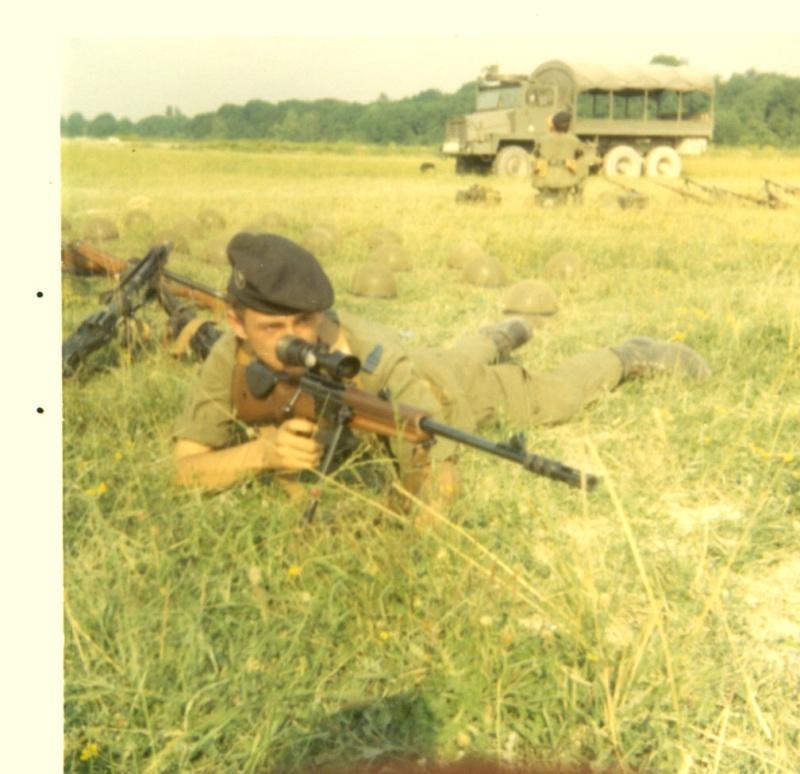 Armes à Kolwezi - Page 2 Frf1-110