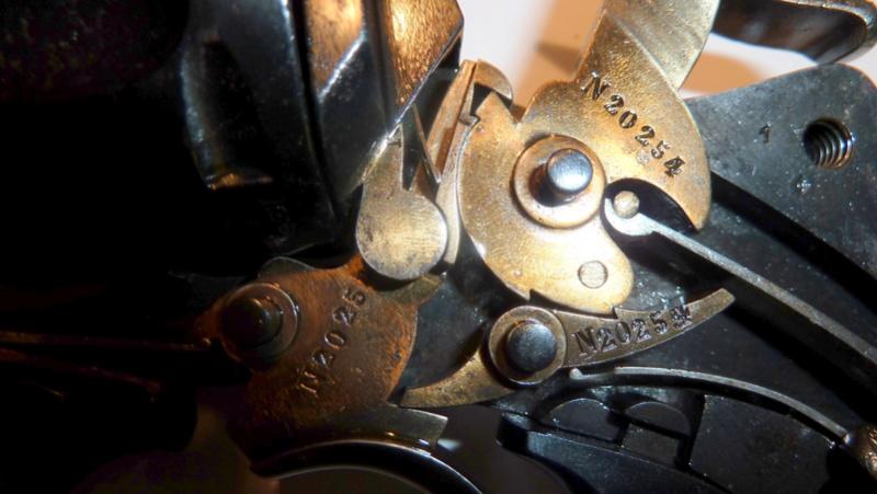 problème de fonctionnement avec mon revolver 1874 P1050513