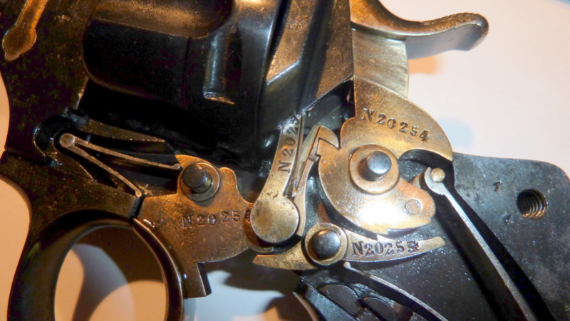 problème de fonctionnement avec mon revolver 1874 P1050514