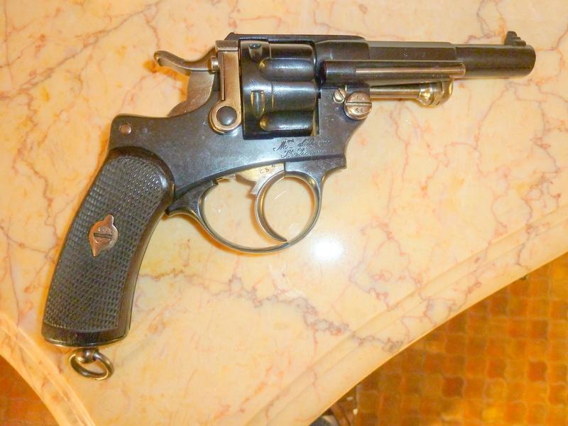 revolver réglementaire P1050533