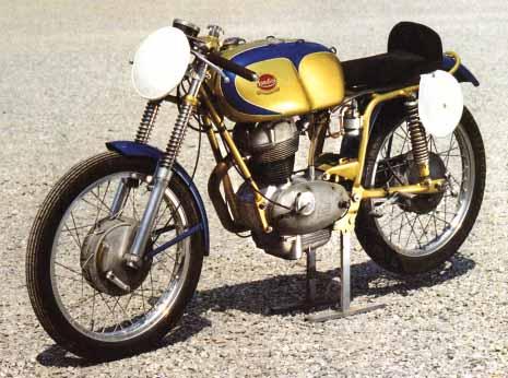 Restauration MONDIAL 125cc Champion Lusso. Fbmond10