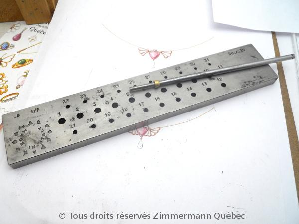 Sertissure or pour des pierres rondes de 5 mm  avec usage de Zim-Zim Dscn3326