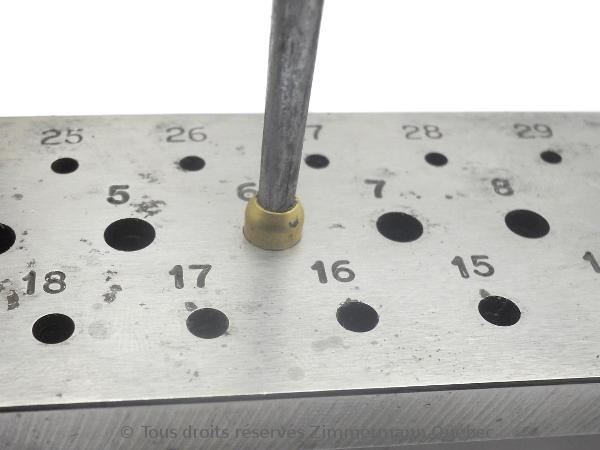 Sertissure or pour des pierres rondes de 5 mm  avec usage de Zim-Zim Dscn3327