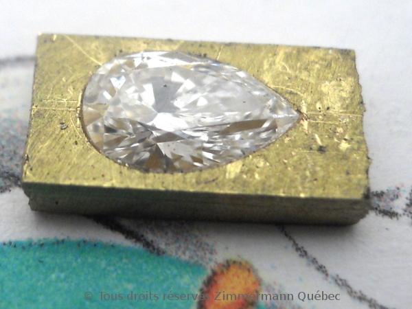 Un pendentif or 18 K avec un diamant poire de 33/100 ct D VVS1 Dscn3912