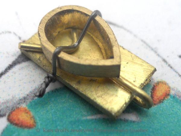 Un pendentif or 18 K avec un diamant poire de 33/100 ct D VVS1 Dscn3915