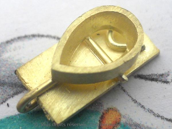 Un pendentif or 18 K avec un diamant poire de 33/100 ct D VVS1 Dscn3916