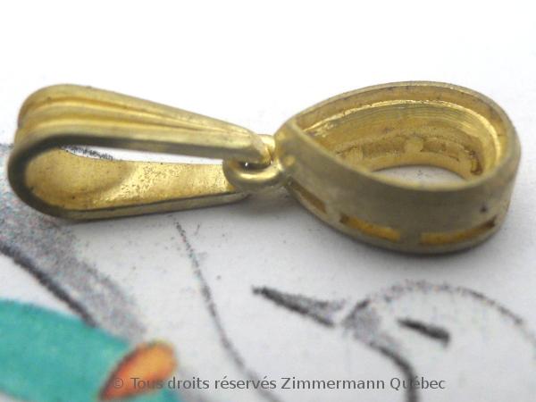 Un pendentif or 18 K avec un diamant poire de 33/100 ct D VVS1 Dscn3919