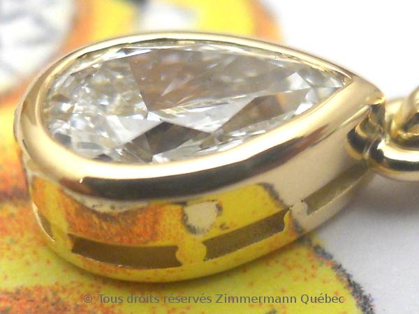 Un pendentif or 18 K avec un diamant poire de 33/100 ct D VVS1 Dscn4013