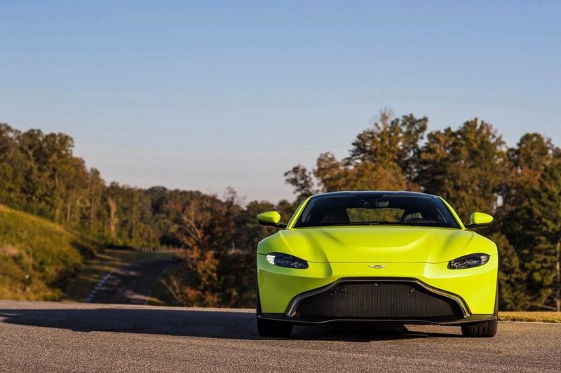2017 - [Aston Martin] Vantage - Page 2 23736111