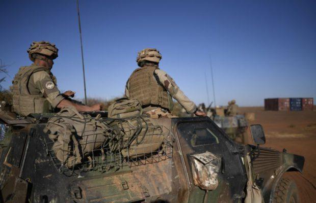 Mali : 3 soldats français blessés dans une attaque-suicide 93639710