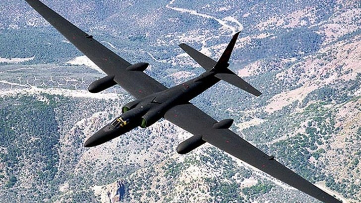 le Lockheed U-2 ( avion espion)......a la ba 125 (isres) de 1995-1999. Avion-10