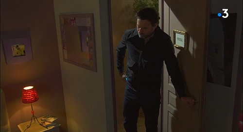 Nicolas Berger (Bruce Tessore) et son complice... - Page 4 Berger20