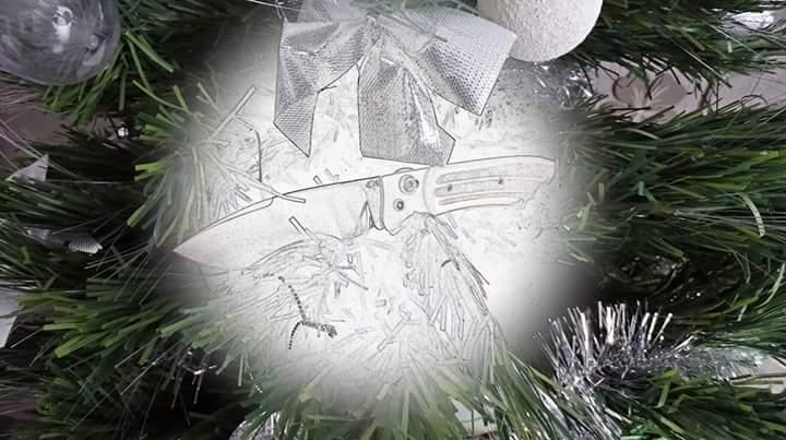 La vitrine aux couteaux... - Page 40 Fb_img10