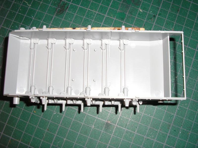 STUG - STUG III AUSF G - Page 2 Pc080012