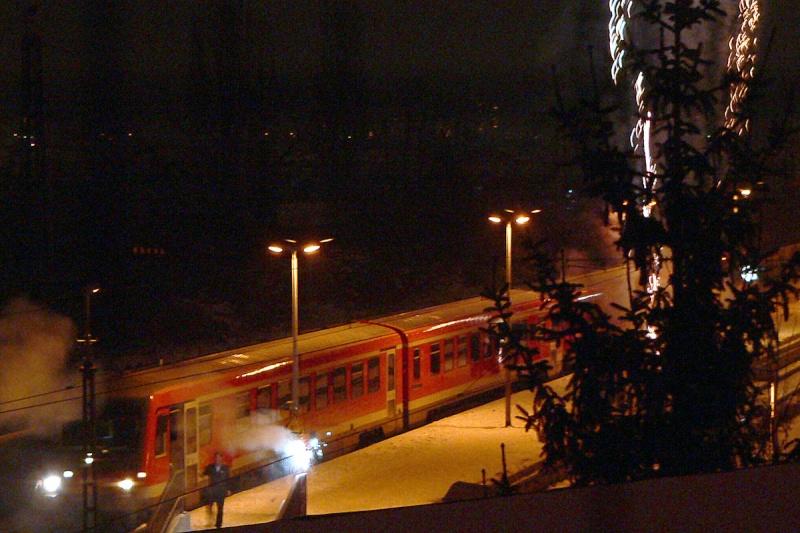 2011 - gerade ein paar Sekunden alt und schon Eisenbahn mit Herz erlebt Neujah11