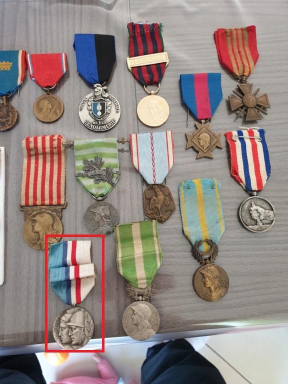 Médaille française  20191110