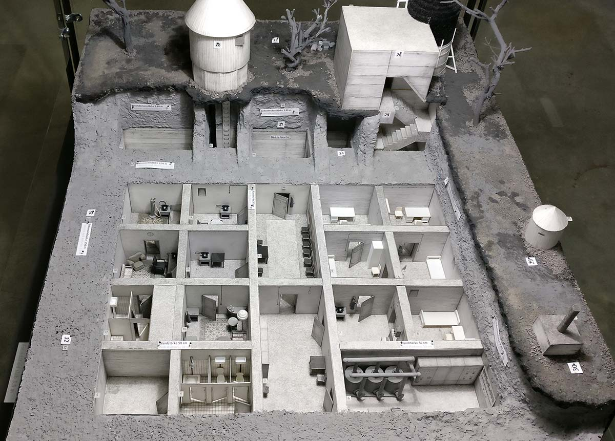 Le bunker du Führer reconstitué à Berlin Bunker19