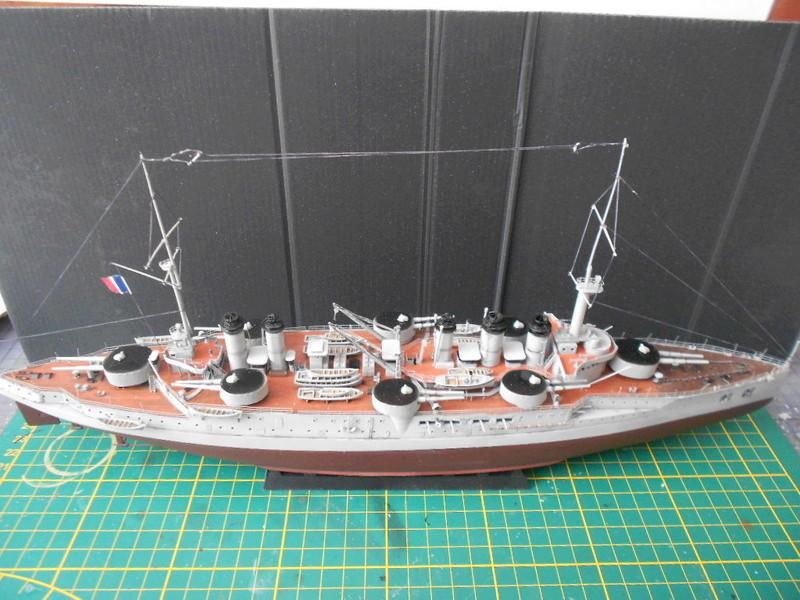[HOBBY BOSS] CONDORCET - 1/350 - un bateaux français le Condorcet  - Page 3 Condo221