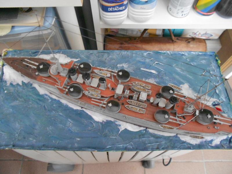 [HOBBY BOSS] CONDORCET - 1/350 - un bateaux français le Condorcet  - Page 3 Condo248
