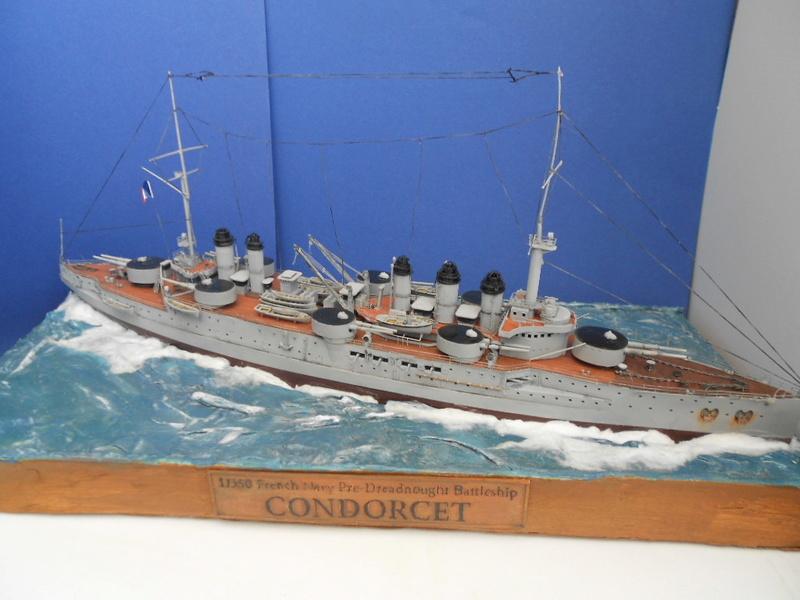 [HOBBY BOSS] CONDORCET - 1/350 - un bateaux français le Condorcet  - Page 3 Condo294