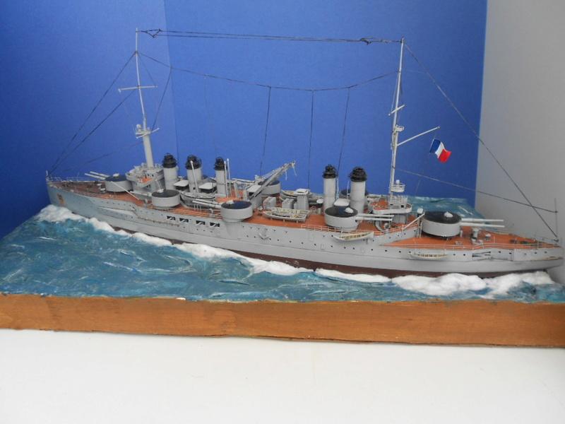 [HOBBY BOSS] CONDORCET - 1/350 - un bateaux français le Condorcet  - Page 3 Condo295