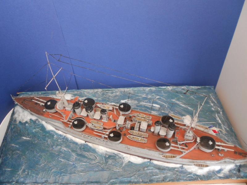 [HOBBY BOSS] CONDORCET - 1/350 - un bateaux français le Condorcet  - Page 3 Condo296