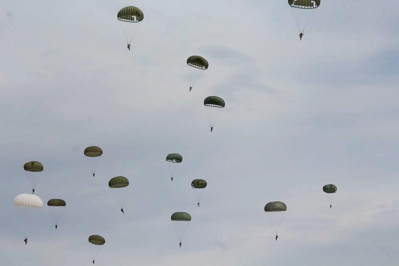 Airborne Command 20915110