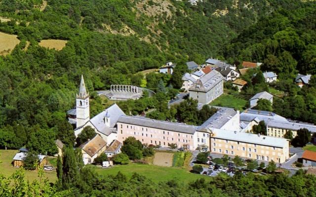 Notre Dame du Laus 14979710