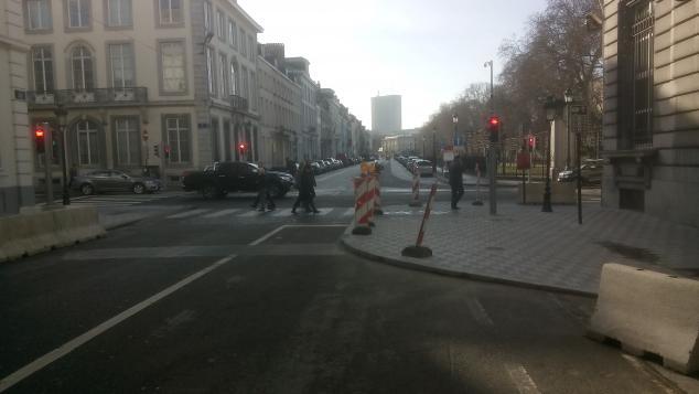 ICR 12: priorité aux voitures ministerielles Rue_du10
