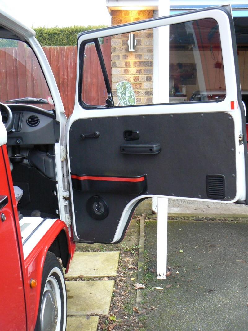 Front Door Pockets/Cup Holder Install - EASY/MEDIUM Door_p10
