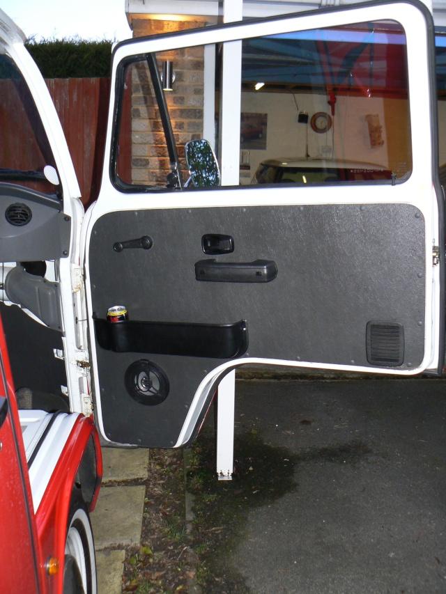 Front Door Pockets/Cup Holder Install - EASY/MEDIUM P1010913