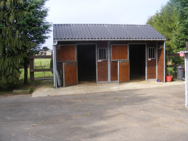 ferme a vendre avec et sur 2 hectares 6ares Dscf0710