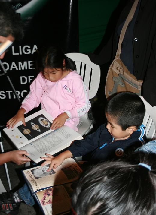 Dia Internacional de la Astronomia Libros10