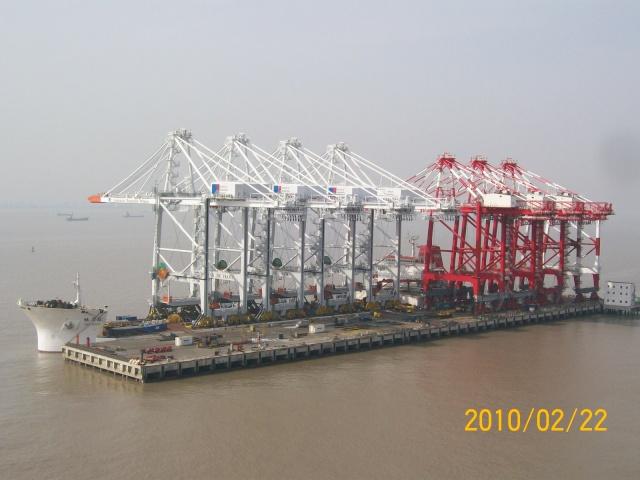 4 nouveaux portiques à port 2000 Gmp10