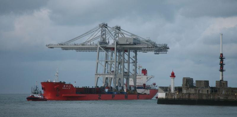 Deux nouveaux portiques au port du Havre Img_8410