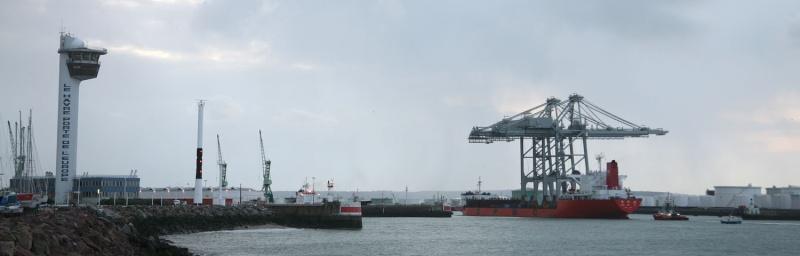 Deux nouveaux portiques au port du Havre Img_8411