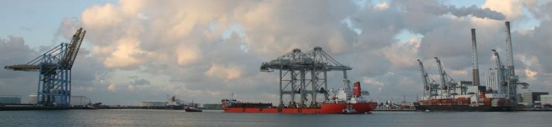 Deux nouveaux portiques au port du Havre Img_8412