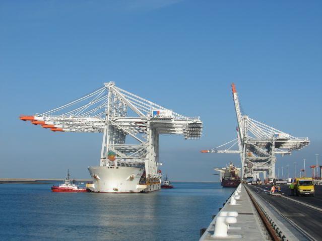 4 nouveaux portiques à port 2000 Portiq10