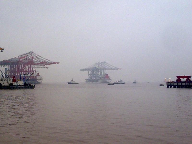 4 nouveaux portiques à port 2000 Zhen_h10