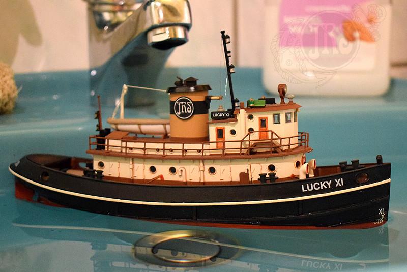 Harbour Tug Boat / Revell, 1:108* Tug_0215