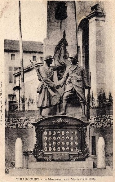 [Histoires et Histoire] Monuments aux morts originaux Français Tome 2 - Page 10 13834710
