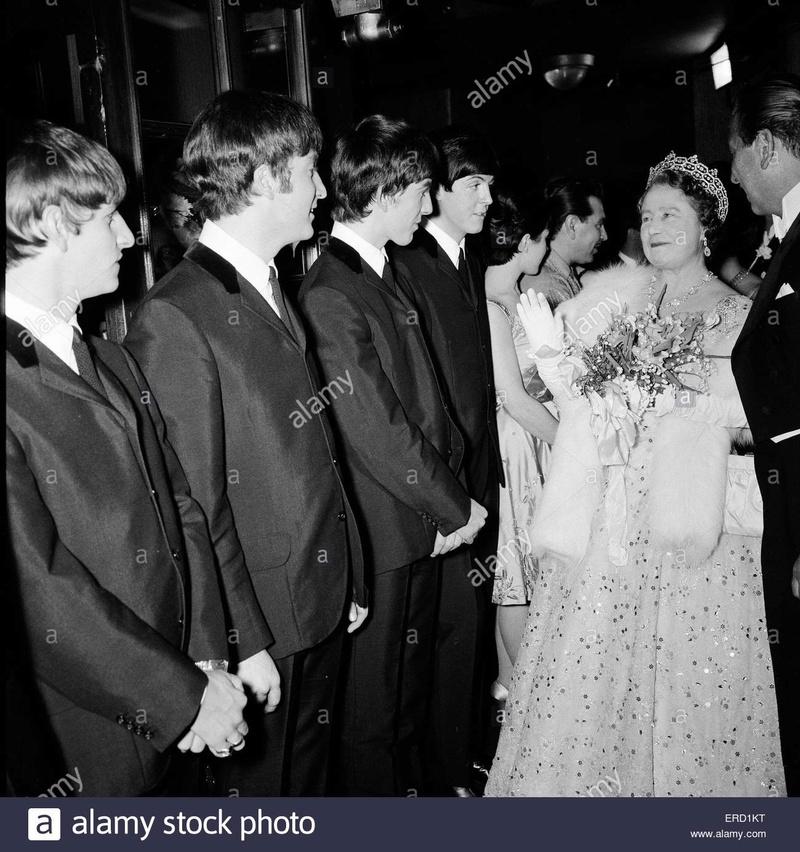 La reine Elizabeth II - Page 6 113