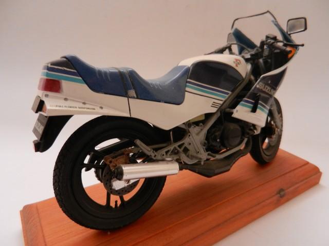 Moto Suziki RG250T 01011